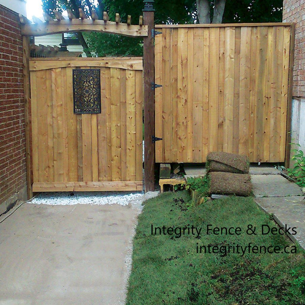 Pressure Treated Gate with Large Insert & Pergola