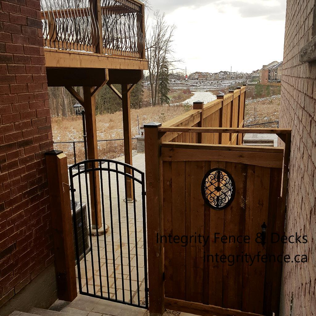 Metal Gate & Pressure Treated Gate with Oval Insert